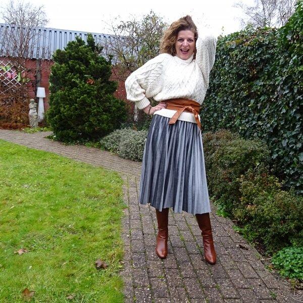 pleated skirt grey velvet