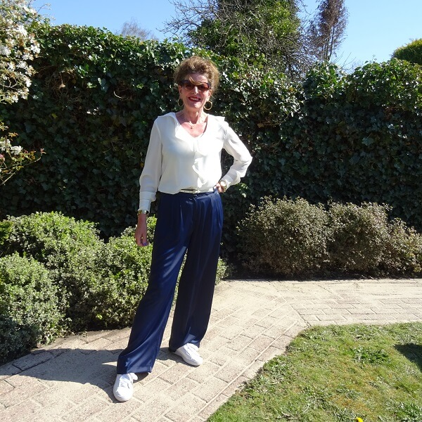 palazzo trousers in navy