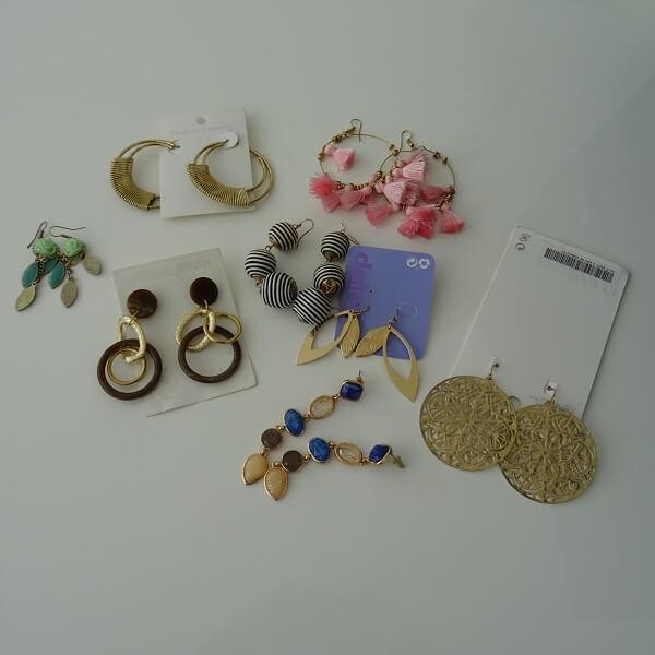 who doesn't love earrings