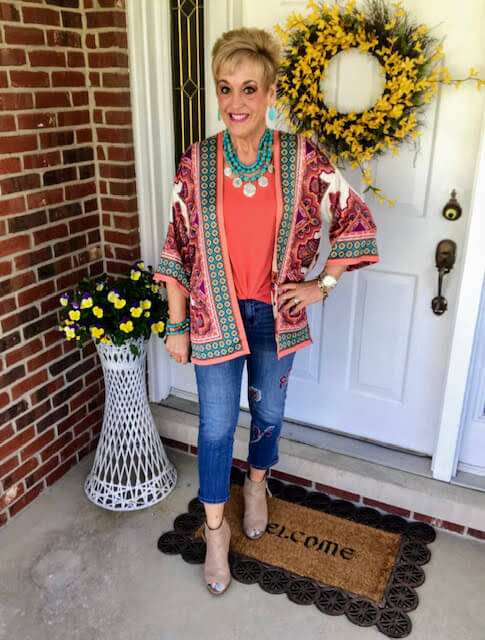 fashion blogger in colorful outfit