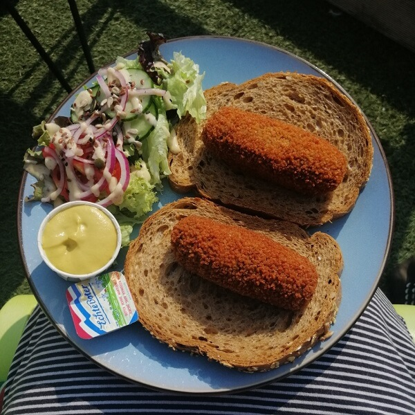 lunch, bread with croquettes