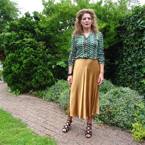 silk skirt outfit