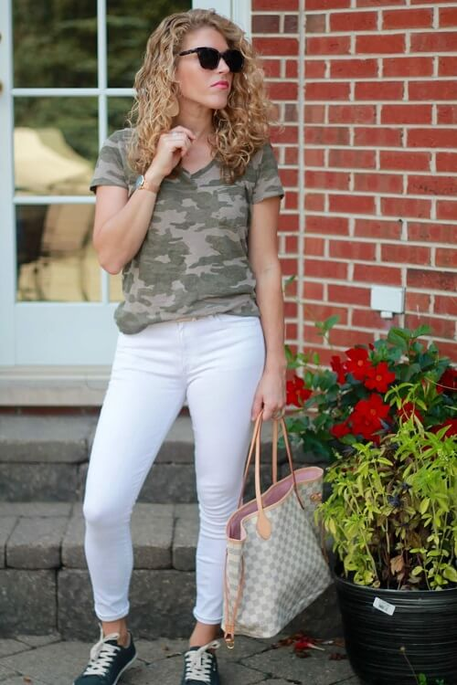 fashionblogger in crazy with camo print