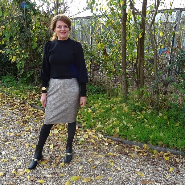 metallic pencil skirt and black balloon sleeve sweater