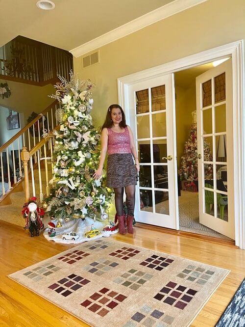 fashion blogger at her Christmas decorated house