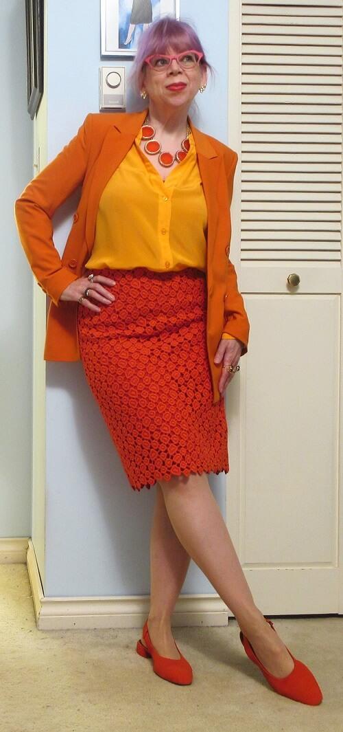 orange monochrome look