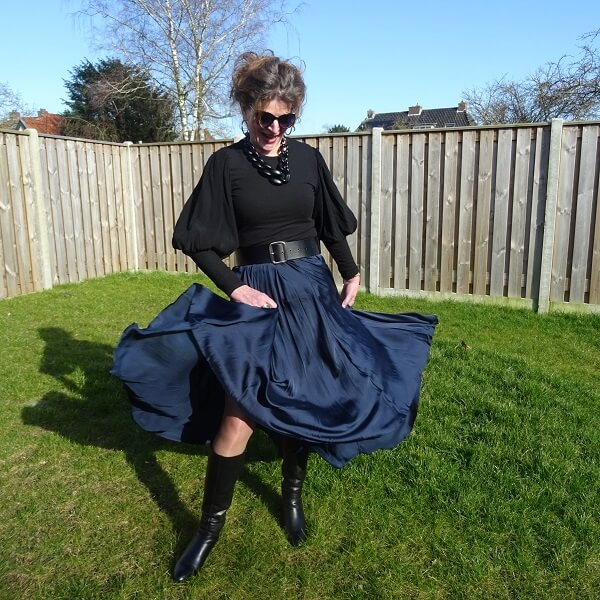 silky skirt and balloon sleeves sweater