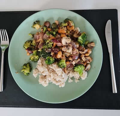 brocoli with chicken and rice
