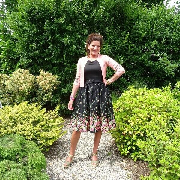 black floral print dress with pockets
