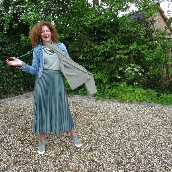 denim jacket o pleated skirt