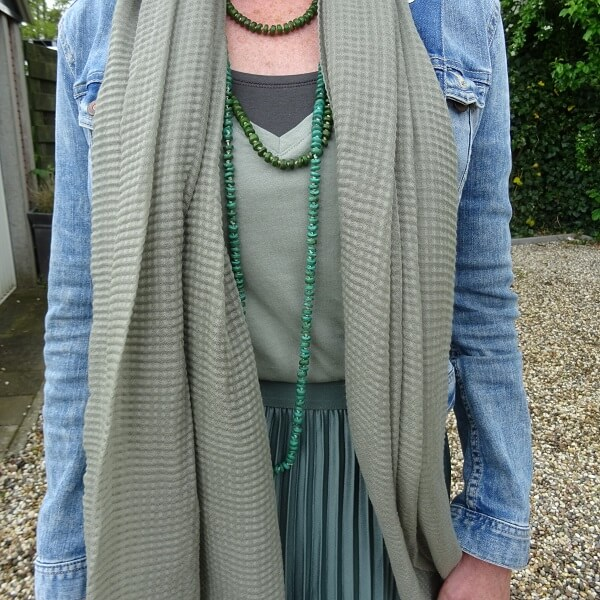 green long necklaces