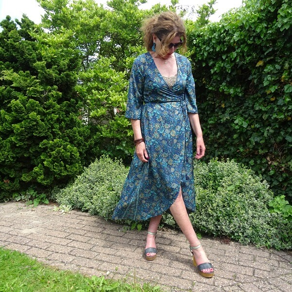 wrap dress of silk in brown and blue