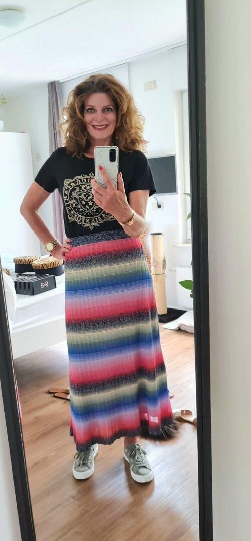 skirt with metallic thread