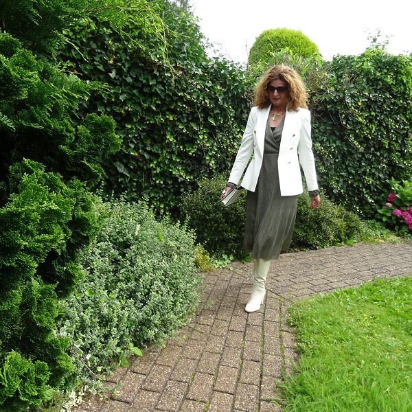 Golden Dress, how to Style? & Fancy Friday linkup